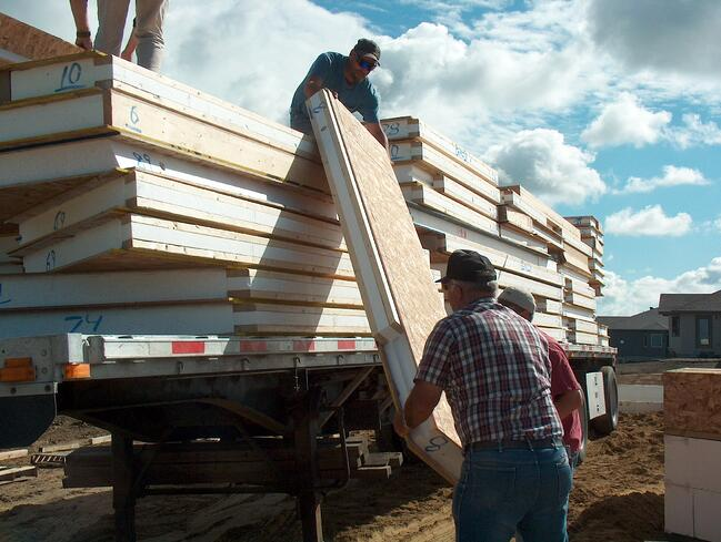 unloading wall panels