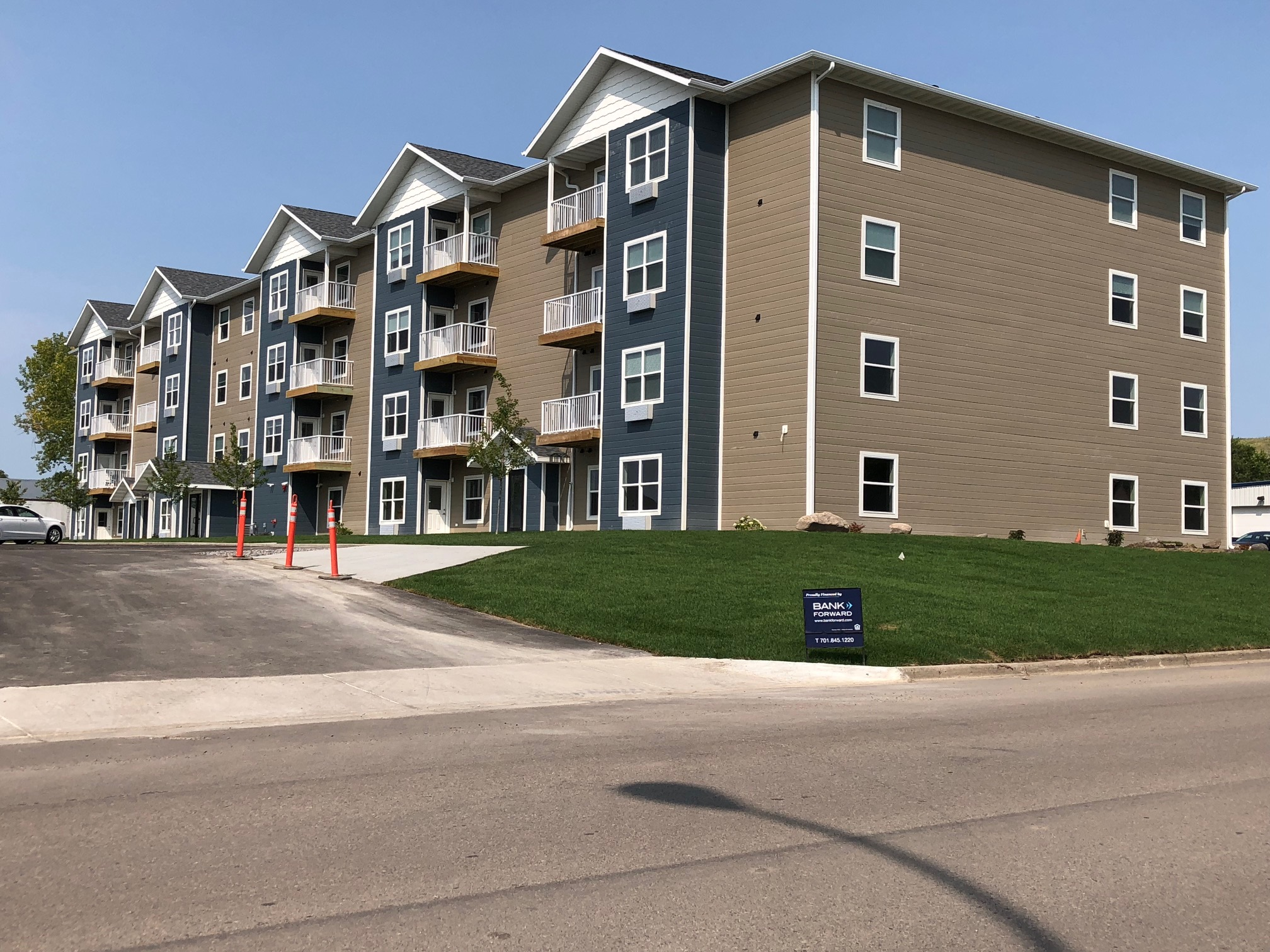 Valley Bluffs SIP apartments