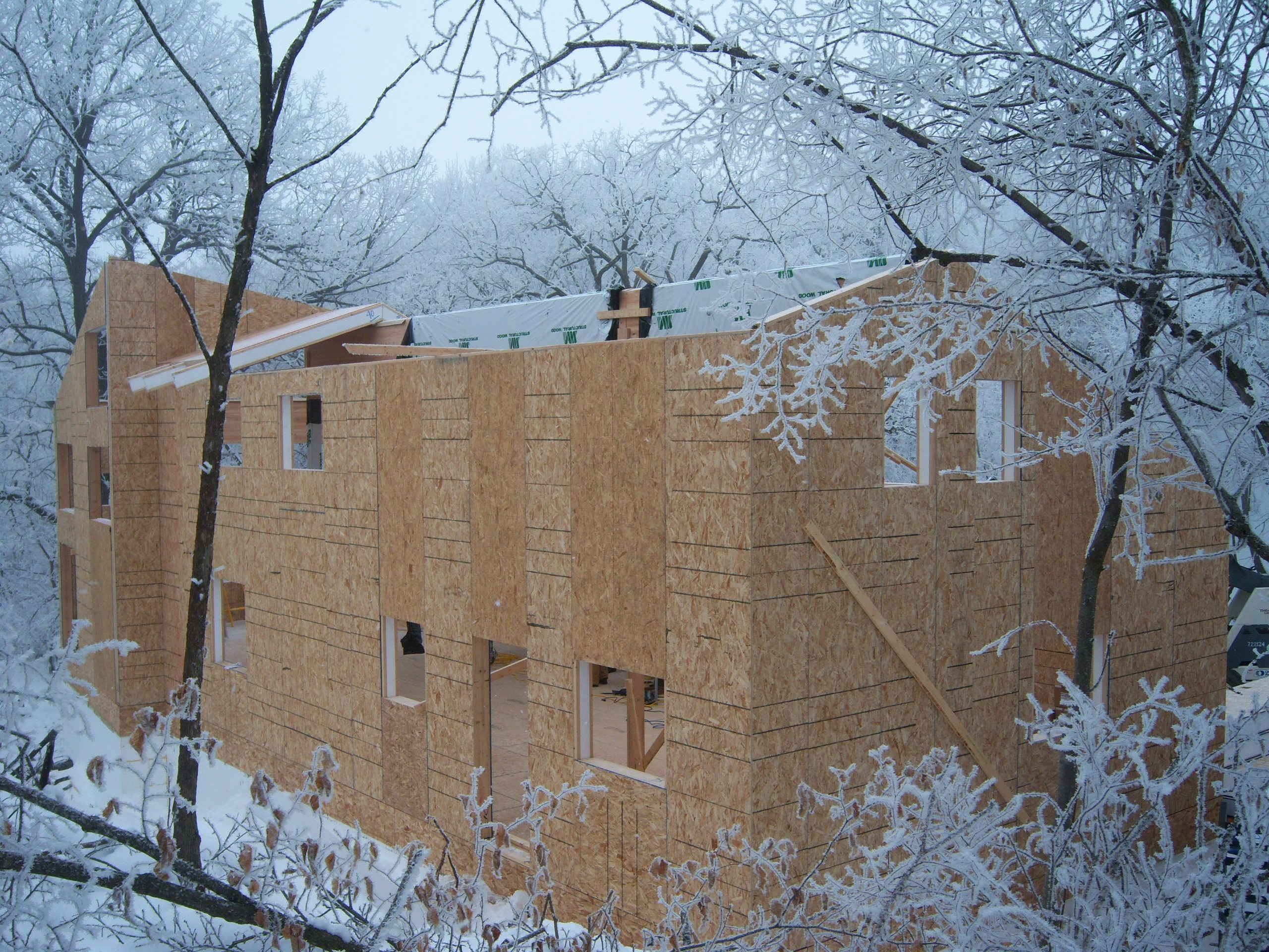 Winter Construction: More Cost-Effective and Comfortable With SIPs