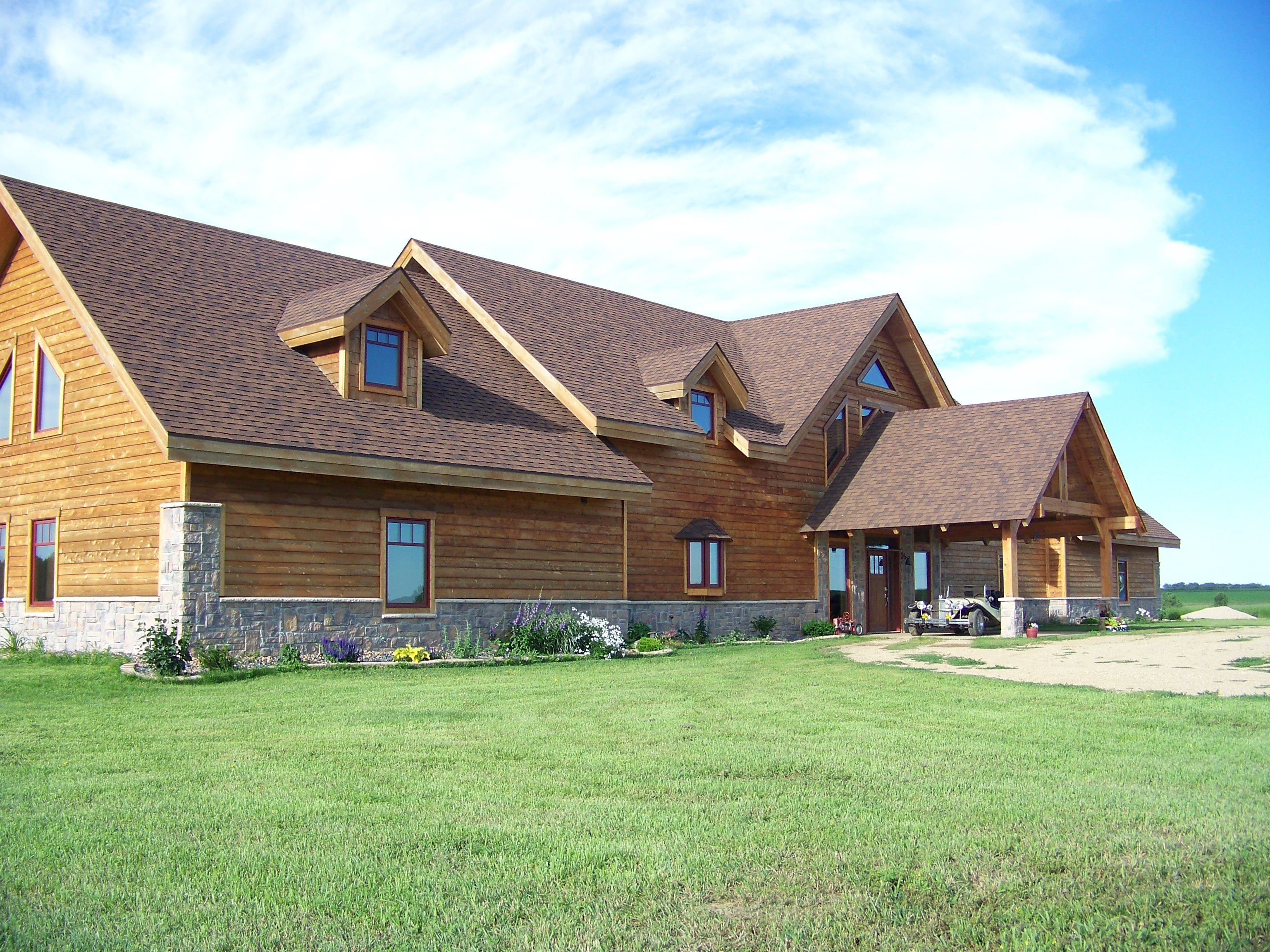 Six Great Reasons to Enclose Your Timber Frame Home in SIPs